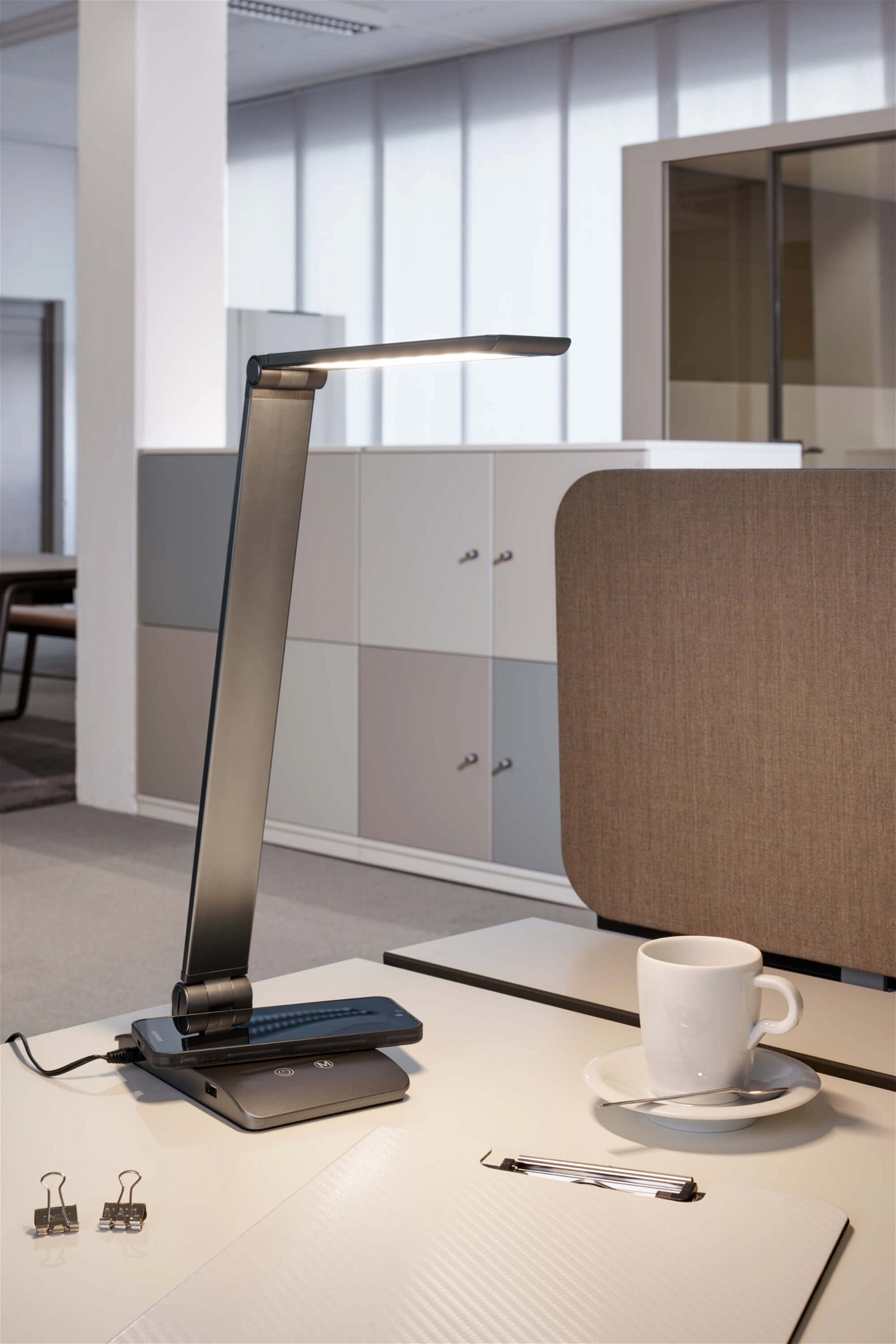 LED-Tischleuchte MAULstella colour vario, dimmbar
