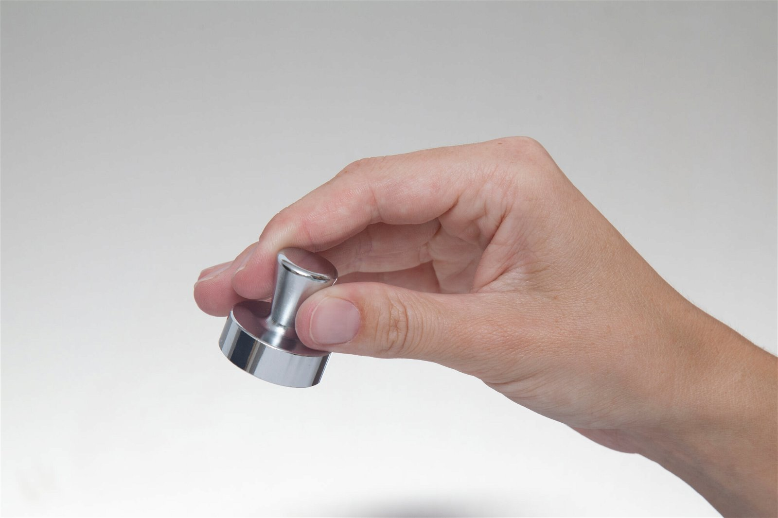 Neodym-Kegelmagnet, Ø 32 mm, 22 kg Haftkraft, 2 St./Set, hellsilber